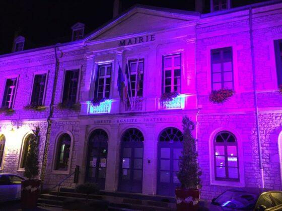 L'Hôtel de Ville s'illumine aux couleurs d'Octobre rose